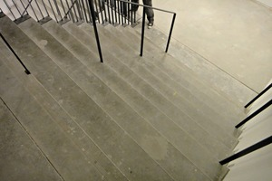 "<div class=""bildtext_en"">Concrete stairs before ...</div>"