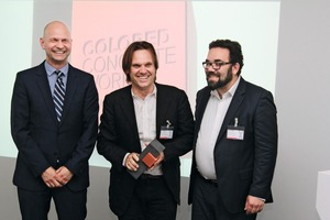"""<div class=""""bildtext_en"""">Tilman Reichert from Rudy Ricciotti Architects (middle) accepted the prize from Jörg Hellwig, head of the Inorganic Pigments business unit (IPG) at Lanxess, and Chris Kühn, member of the German parliament </div>"""
