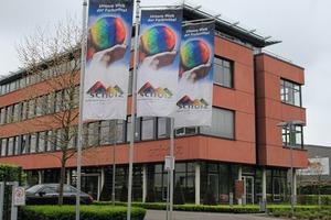 "<div class=""bildtext_en"">Red colored architectural concrete: The company building in Recklinghausen</div>"