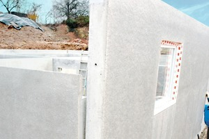 """<div class=""""bildtext_en"""">Assembly of walls of a BASE precast basement: solid wall panels are prefabricated at the precast plant exactly as specified in the project plans and drawings </div>"""