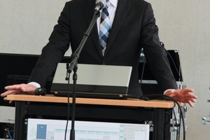 """<div class=""""bildtext_en"""">The Thuringian Minister of Science and Research Wolfgang Tiefensee spoke in high terms of the success story of IAB Weimar</div>"""