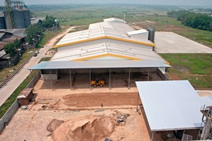"""<div class=""""bildtext_en"""">View of the AM factory premises with the AAC production building located in themetropolitan region of Jakarta</div>"""