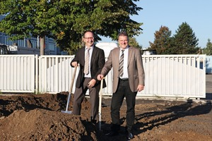 Udo Klaußner (left), the General Manager of Masa, and Frank Reschke, Director of Sales and Member of the Management Board, at the ground-breaking ceremony in October of 2016