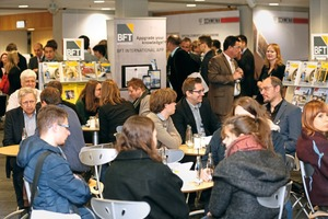 "<div class=""bildtext_en"">Café BFT always attracts a large number of attendees </div>"