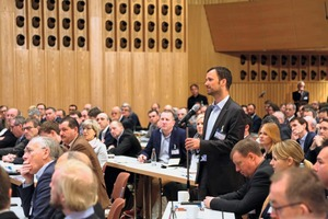 "<div class=""bildtext_en"">Each year, industry-specific information, trends and talks attract many professionals to the Neu-Ulm venue </div>"