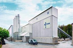 """<div class=""""bildtext"""">Die Firma Beton-Betz produziert seit mehr als 85 Jahren Betonfertigteile für Hochbau und Landwirtschaft </div>"""