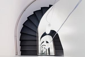 """<div class=""""bildtext"""">… und diese gewendelten Treppenstufen für ein Wohn- und Bürogebäude in Hannover, Pelikanviertel</div>"""