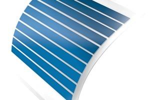 """<div class=""""bildtext"""">Die Kunststofffolie mit den Solarzellen von Hersteller Heliatek ist dünn, leicht und flexibel</div>"""