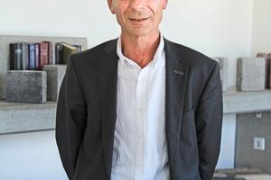 """<div class=""""bildtext"""">... Wilfried Braun ...</div>"""