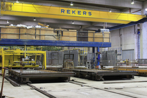 """<div class=""""bildtext_en"""">A look at the production of prefabricated garages</div>"""