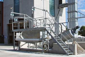 """<div class=""""bildtext_en"""">The Liebherr LRS 908 recycling unit</div>"""