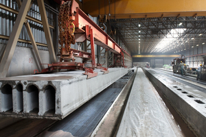 View into the production of precast prestressed concrete floor slabs at the Elbe factory in Vockerode