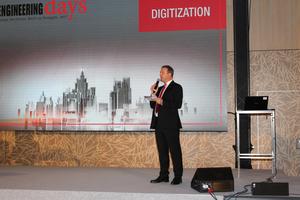 """<div class=""""bildtext_en"""">Robert Neubauer moderated the plenary session """"Digitization""""</div>"""