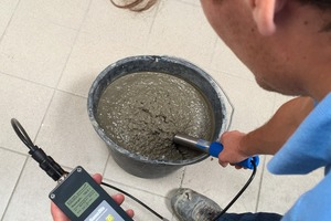 """<div class=""""bildtext_en"""">The SONO-WZanalyzer measures 20 kg of fresh concrete in only four to five individual measurements</div>"""