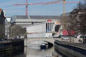 """<div class=""""bildtext_en""""><irspacing style=""""letter-spacing: -0.01em;"""">The James Simon Gallery will soon be the central entrance to the Museum Island, making it appear like an antique Greek temple</irspacing></div>"""