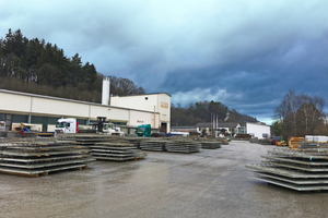 """<div class=""""bildtext_en""""><irspacing style=""""letter-spacing: -0.01em;"""">The healthy order situation, at present, ensures that the production of precast floor slabs is running at full capacity in Lanhofen </irspacing></div>"""