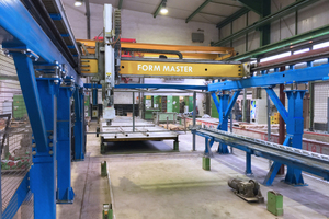 """<div class=""""bildtext_en"""">The Form Master shuttering and deshuttering robot was the first step taken towards a highly automated production process </div>"""