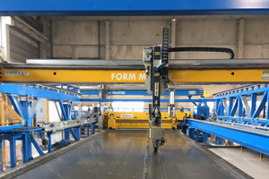 Combining the FormMaster shuttering robot with the Progress precision formwork permits fully automated shuttering without the need for any polystyrene supplements