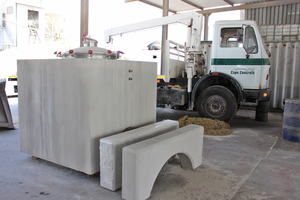 "<div class=""bildtext_en"">... and special tanks with a filling capacity of up to 2,500 liters for several wineries located in the Western Cape region</div>"