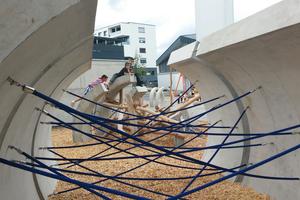 """<div class=""""bildtext"""">Beim Spielplatz Paulusheim wurden fantasievolle Spielgeräte gebaut – mit Betonhalbschalen der Berding Beton GmbH</div>"""