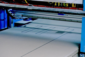 The automatic plotter makes it possible to draw and print data such as cutting angles, open cores, rip cuts, project identifications and the area to be detached on precast concrete elements