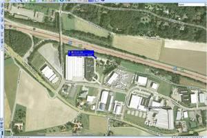 """<div class=""""bildtext"""">Detaillierte Hybridkarten ermöglichen eine exakte Lokalisation und Steuerung der Fahrzeuge – auf der Straße, im Werk oder auf der Baustelle</div>"""