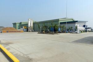 """<div class=""""bildtext"""">Kürzlich eröffnete PT Modern Panel Indonesia sein erstes Betonfertigteilwerk im neuen Industriegebiet von Cinkande, Banten</div>"""