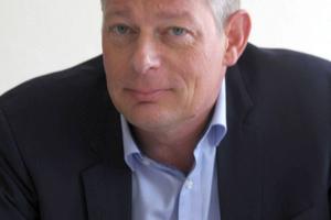 """<div class=""""bildtext_en"""">Jörg Rasbieler</div>"""
