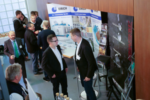 The participants used the coffee break for discussions with the exhibitors of the accompanying exhibition