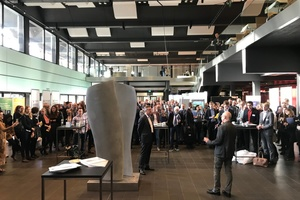 """<div class=""""bildtext_en"""">Unveiling of the CON-TEXTURES sculpture at the ADD-ITC (from left to right): Professor Dr Thomas Gries, ITA, artist Thomas Schönauer </div>"""