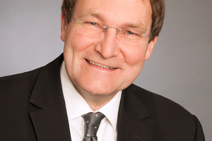 "<div class=""bildtext""><strong>Dr.-Ing. Udo Wiens</strong><strong>;</strong> Deutscher Ausschuss für Stahlbeton e. V., Berlin<br /><span class=""ulm_email""><script language=""JavaScript"">document.write('<a href=""' + 'mailto:' + 'udo.wiens' + '@' + 'dafstb' + '.' + 'de' + '"">' + 'udo.wiens' + '@' + 'dafstb' + '.' + 'de' + '</a>');</script></span></div>"