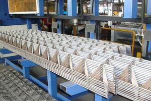 Lattice girders produced on the PL Tris