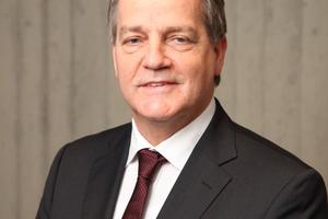 """<div class=""""bildtext""""><strong>Prof. Dr.-Ing. Hans-Joachim Walther;</strong><br /> Hochschule Karlsruhe – Technik und Wirtschaft<br /><span class=""""info_link"""">jochen.walther@<br />betontage.de</span></div>"""