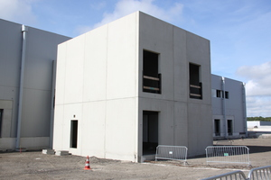 "<div class=""bildtext_en"">The new exposed concrete production line enables Kleihues to produce precast elements for commercial construction </div>"