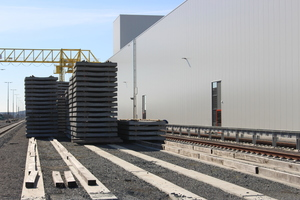 """<div class=""""bildtext_en"""">The Leonard Moll-Betonwerk located in Biebesheim in the German state of Hesse has its own railroad connection</div>"""