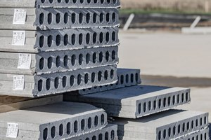 "<div class=""bildtext_en""><irspacing style=""letter-spacing: -0.02em;"">Larco produces with twelve employees a range of prefabricated concrete elements such as hollow core slabs</irspacing></div>"