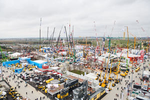 "<div class=""bildtext_en"">Around 3,700 exhibitors from 63 countries were represented this year and were very satisfied with the results</div>"