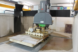 """<div class=""""bildtext_en""""><irspacing style=""""letter-spacing: -0.005em;"""">Fig. 7: Cutting of a printed reinforced concrete column by means of CNC-controlled bridge saw at the iBMB</irspacing></div>"""