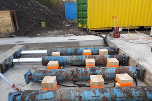 "<div class=""bildtext_en"">The precast segments were jacked by VTW Vortriebstechnik Weiss GmbH from Hünxe, Germany, using a jacking system </div>"