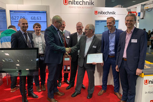 "<div class=""bildtext_en"">The members of IFC4precast congratulate Reiner Medgenberg (third from right) and appoint him honorary member</div>"