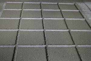 "<div class=""bildtext_en"">SikaPaver HC-218 facilitates a uniform filling of paving block molds and thus a more consistent quality of the concrete products</div>"