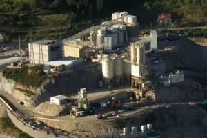 "<div class=""bildtext_en"">Concrete for the dam in Daivões has been produced on the plant of Alquezar since 2017</div>"
