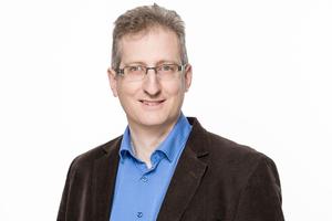 """<div class=""""bildtext""""><strong>Denis Kiltz</strong><br /><irspacing style=""""letter-spacing: -0.01em;"""">1997 bis 2001 Studium/Promotion, Ruhr-Universität Bochum; 2001 bis 2005 Projektingenieur, Hochtief Construction AG, Essen; 2005 bis 2011 Projektleiter/Senior Design Manager, Hochtief Solutions AG, Essen; seit 2011 Bauberater Gebiet West, DBV Berlin; seit 2014 Lehrauftrag an der TFH Georg-Agricola, Bochum; seit 2015 Leiter DBV-Bauberatung und Bauberater Gebiet West, Berlin </irspacing></div><div class=""""bildtext""""><script language=""""JavaScript"""">document.write('<a href=""""' + 'mailto:' + 'kiltz' + '@' + 'betonverein' + '.' + 'de' + '"""">' + 'kiltz' + '@' + 'betonverein' + '.' + 'de' + '</a>');</script></div>"""