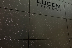 """<div class=""""bildtext_en"""">About 700 light-transmitting fibers per square meter have the Lucem Starlight panel shone with the visual effect of a starlit sky</div>"""