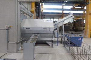 """<div class=""""bildtext_en"""">The recycling system supplied offers a recycling capacity of 20 m³/h, was hot-dip galvanized and is fitted with a swivel-mounted aluminum cover</div>"""