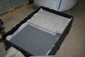 "<div class=""bildtext_en"">Concrete-block paved surface laid on basalt-chipping bed 2/5 mm during manufacture</div>"