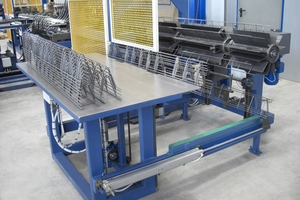 """<div class=""""bildtext_en"""">PLT B Spacer machine with automatic stacking and bundling unit</div>"""