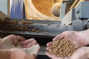 """<div class=""""bildtext_en"""">Fine-sand flours are granulated with mineral binders, in combination with special additions, to form pressure-resistant pellets</div>"""