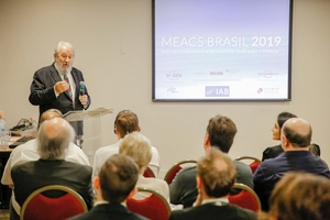 "<div class=""bildtext_en"">Siscobras-CEO Eng. Henrique Deboni greeted the many guests at the MEACS event in late July 2019</div>"