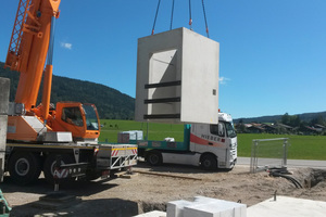 """<div class=""""bildtext_en"""">Just-in-time delivery of the precast elements eliminates the need for additional storage space at the construction site</div>"""